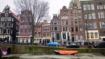 Crooked building in Amsterdam by Woriorh