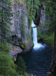 Tokatee Falls, OR by finhead4ever