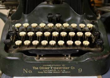 Oliver typewriter, 1915 by finhead4ever