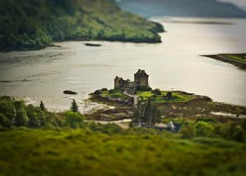Eilean Donan Castle by Snert
