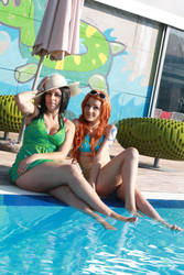 Nico Robin and Nami vacation,One Piece cosplay by Mellorineeee