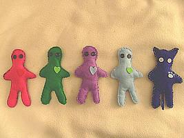 Valentine's Day Felt Dolls by Froggy-Spaztastic