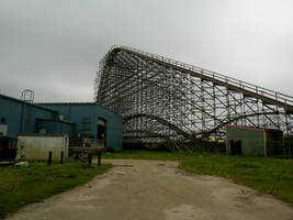 Abandoned Six Flags 17 by nevertakemystock