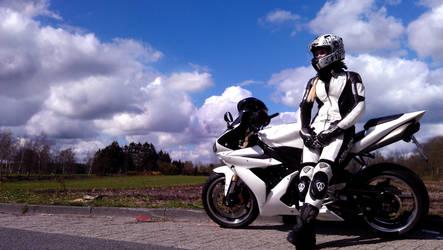 Yamaha R1 - Girl on Bike Part II by KaylaDavion
