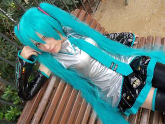 Hatsune Miku Cosplay by mmmhOmoshiroi