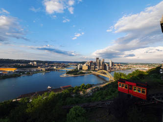 Pittsburgh by midnightmoon0290