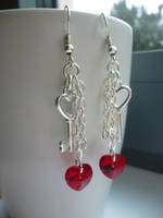 'Unchained Heart' earrings by Ilyere