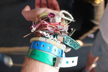 I like bracelets by Benenenenen