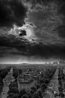 Sky explosion in Paris by ZSnapper