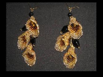 Lilies earrings by puchiqa
