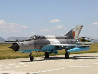 MIG-21 LANCER Taxiing by eMBeeL
