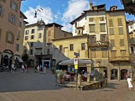 Piazza Mercato delle Scarpe by Sergiba