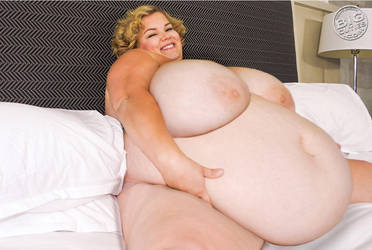 Marilyn Outgrowing Her Bed! by BobbyByrde