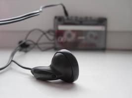 Old music, you hear? by FelliniLis