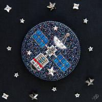 Satellite - beaded brooch with Swarovski crystals by nayanavi