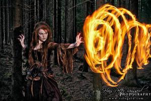Sorceress HDR by Taragon