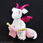Knitting Dragon by HowManyDragons