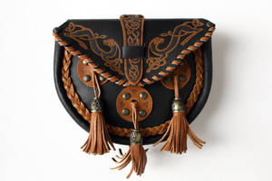 Celtic purse by Tinnulanthir