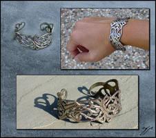 Miriel - Bracelet by Ellygator