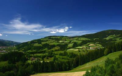 Austrian Landscape by rubasu