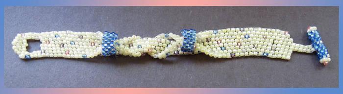 Vanilla peyote braid by BunnySuitDriver