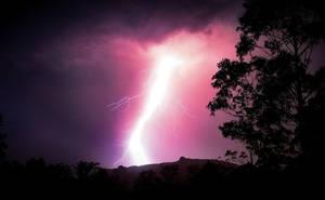 Thunderstrike by skull