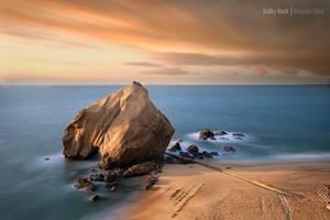 Bulky Rock by Rykardo