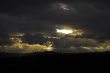 Light on in Heaven by Deus-est-femina