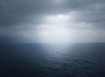 Seul en mer by Mavricot