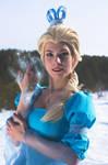 Frozen - Elsa [art by NoFlutter] cosplay by Fabryei-fabryei