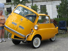 Yellow BMW Isetta 300 'Open' by motoryeti
