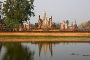 Wat Mahatat by DeviantTeddine