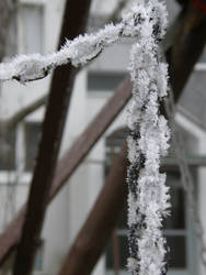 Winter 12 - Frozen chain by Gwathiell