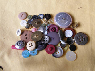 Buttons 5 Pile by Gwathiell
