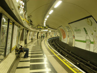 London 24 Metro by Gwathiell