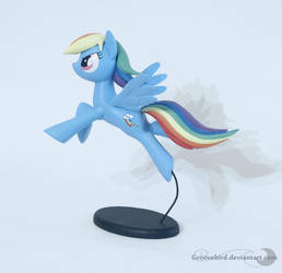 Rainbow Dash by Groovebird