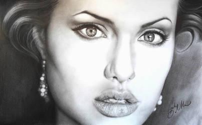Lo Sguardo di Angelina by MrWhiteG
