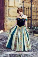Anna coronation cosplay by Alinechan