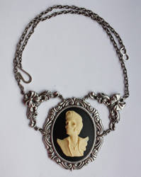 Zombie Elvis necklace by Pinkabsinthe
