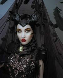 Maleficent by Pinkabsinthe