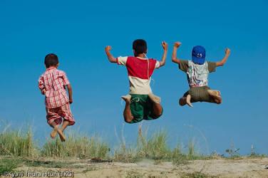 jump 2 by ThaKhinGyi