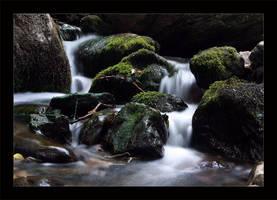Waterfall II by qrpw