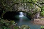 Natural Bridge Entrance by robertvine