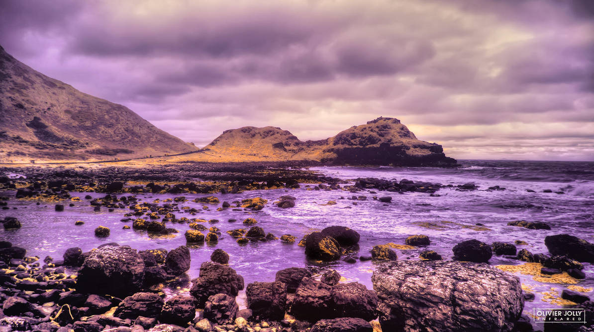 The Giant's Causeway by bamboomix