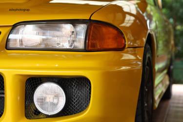EVO III,yellow by aslephotograp