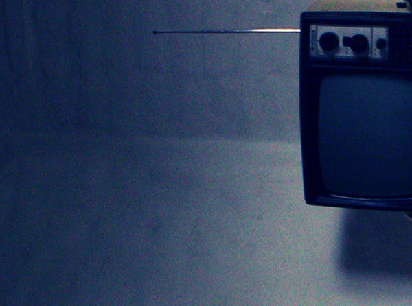 TV. Sleeping. by ChOke-x