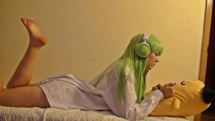 listening music by BannanaDreams