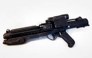 STAR WARS E-11 Blaster Rifle by Rariedash