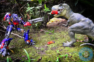 Optimus Prime VS Tyrannosaurus by X-Alex