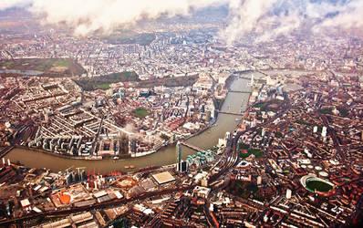 London sky by Teh-cHix0r